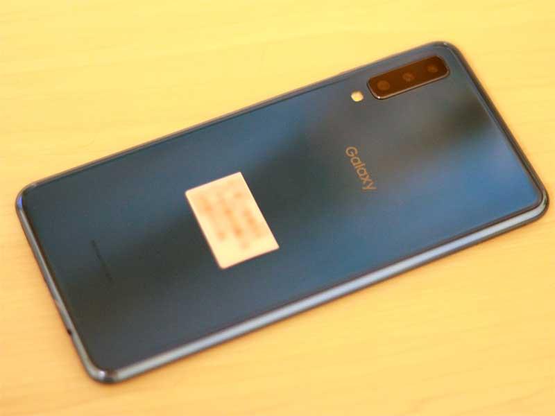Galaxy A7背面